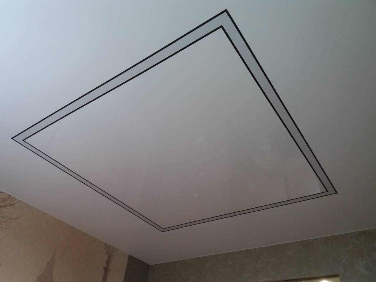 Матовый и глянцевый потолок в спальне
