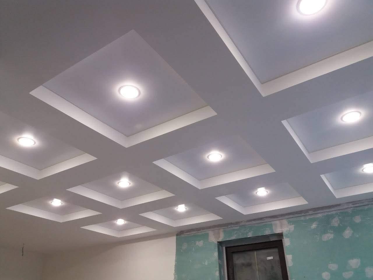 Сатиновый натяжной потолок в офисе