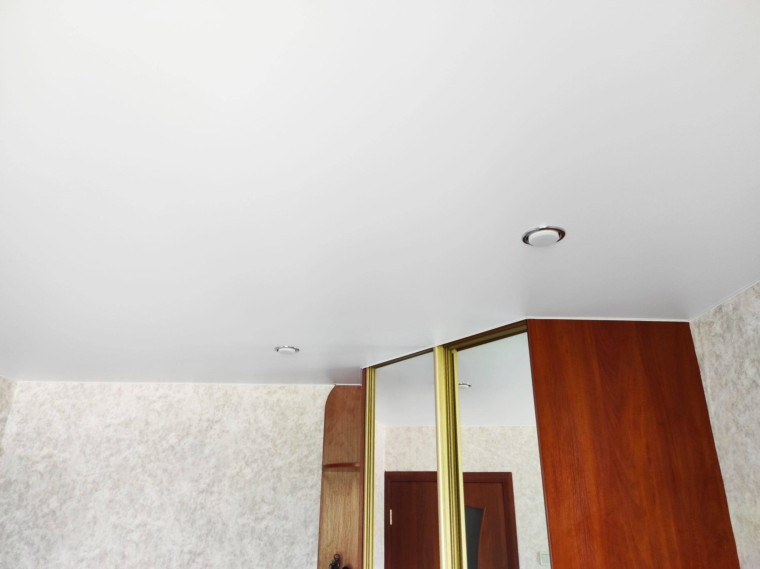 Матовый натяжной потолок в детскую.